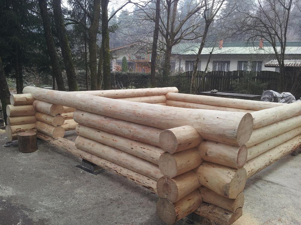 Izgradnja temeljev lesene brunarice